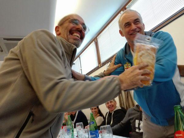 Massimo Tubino premiato dal capitano Valdemar Boesgaard